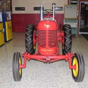 2019-bksuperauction-tractor-preveiw-002