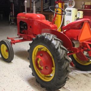 2019-bksuperauction-tractor-preveiw-003